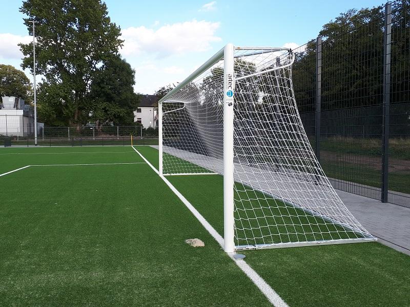 Fußballtor mit Netzbügeln von artec