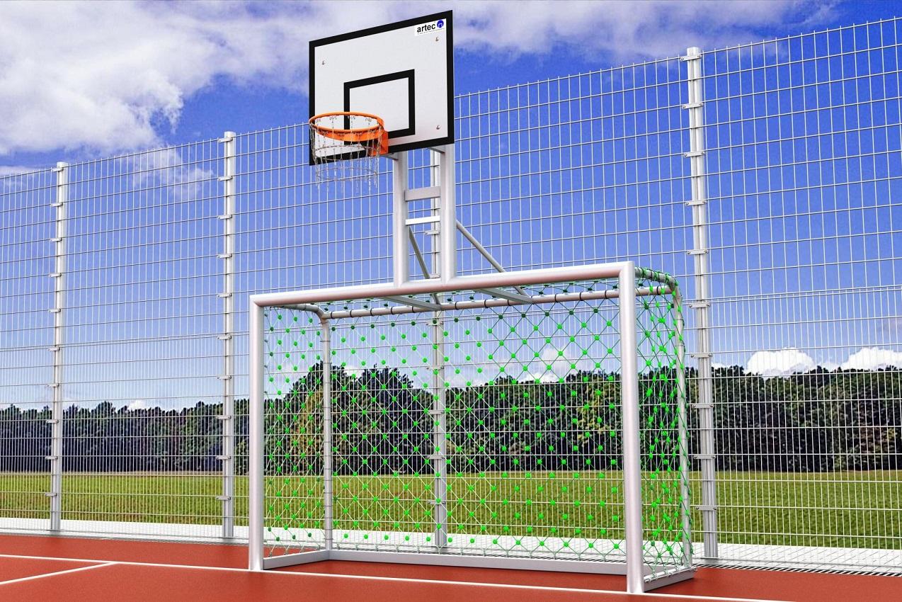 Bolztor mit Herkulesnetz und Basketballaufbau