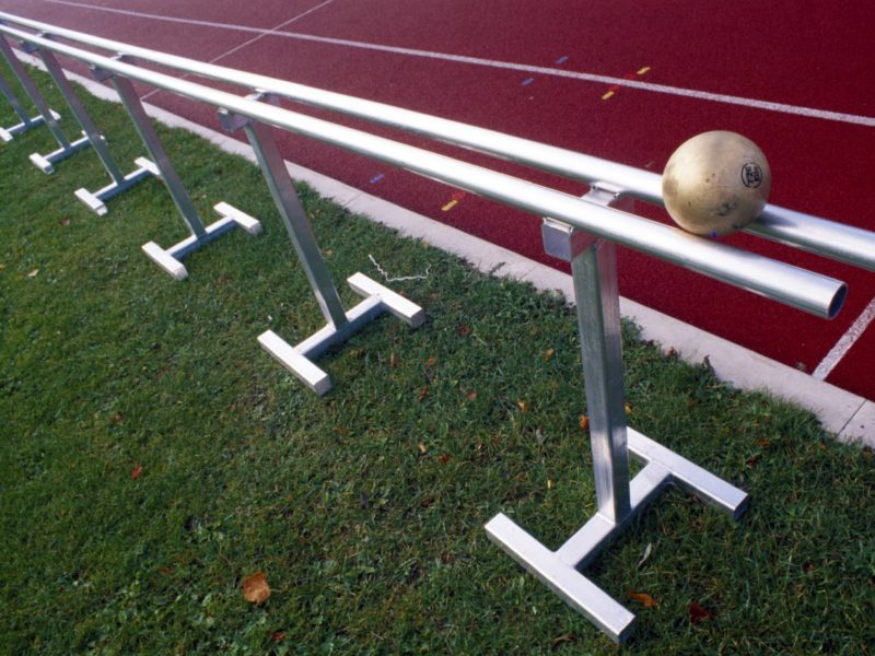 Mobile Rückrollbahn für Stoßkugeln aus Aluminium