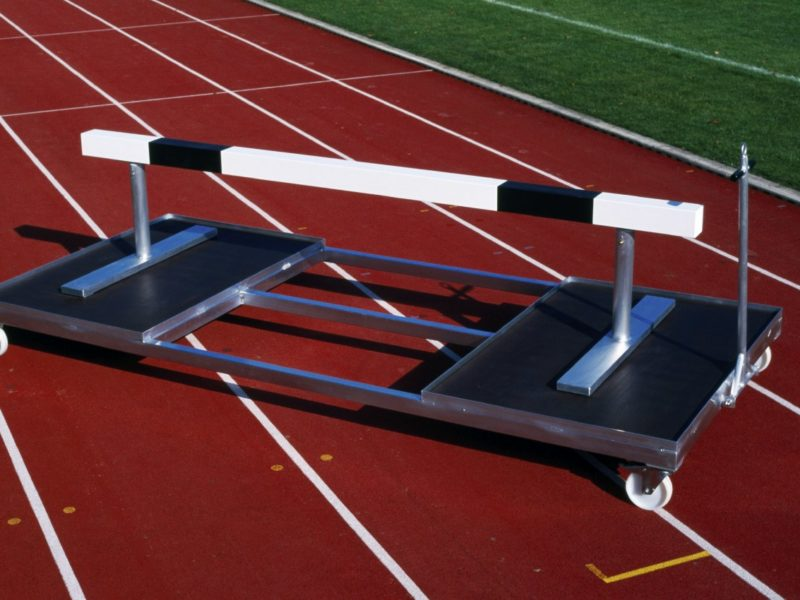 Transport trolley for obstacles made of aluminum