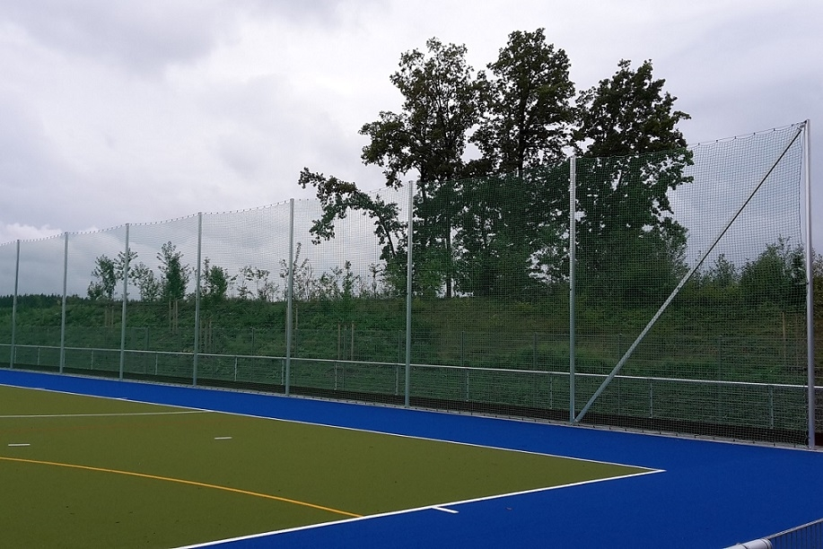 Ball stop posts for stadiums made of aluminum
