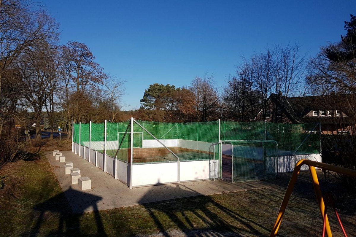 Stationärer Soccer Court 40 x 20 m mit Bande aus Coplast