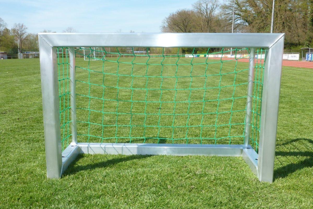 Minitor 1,20 x 0,80 m für den maximalen Spielspaß im Garten und auf dem Trainingsplatz